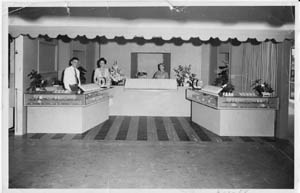 1952 Shop Farmers Market