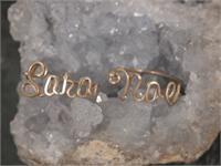 Gold Wire Name Ring Sara noe